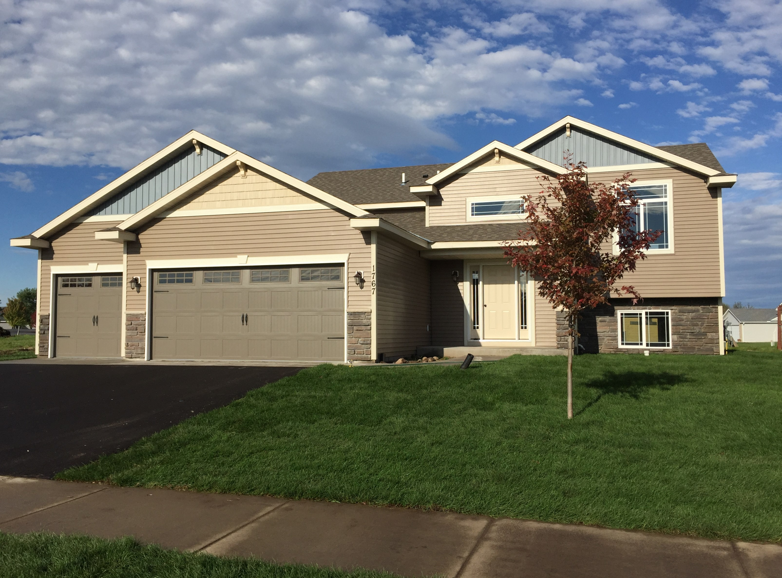 Our Hickory is a move-in ready home in St. Francis, MN located at 3419 236th Lane NW.